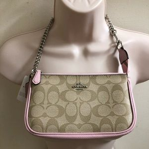 NWT Coach gorgeous signature bag!! PRICE FIRM
